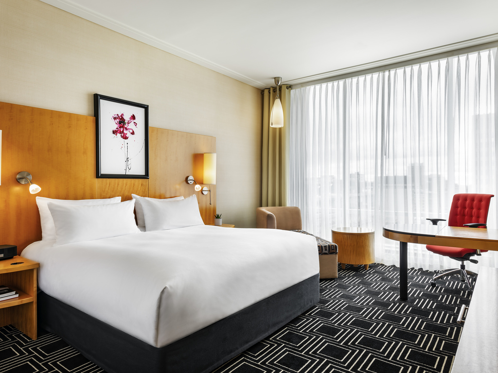 Luxury Room 1 King Size Bed Expansive Windows