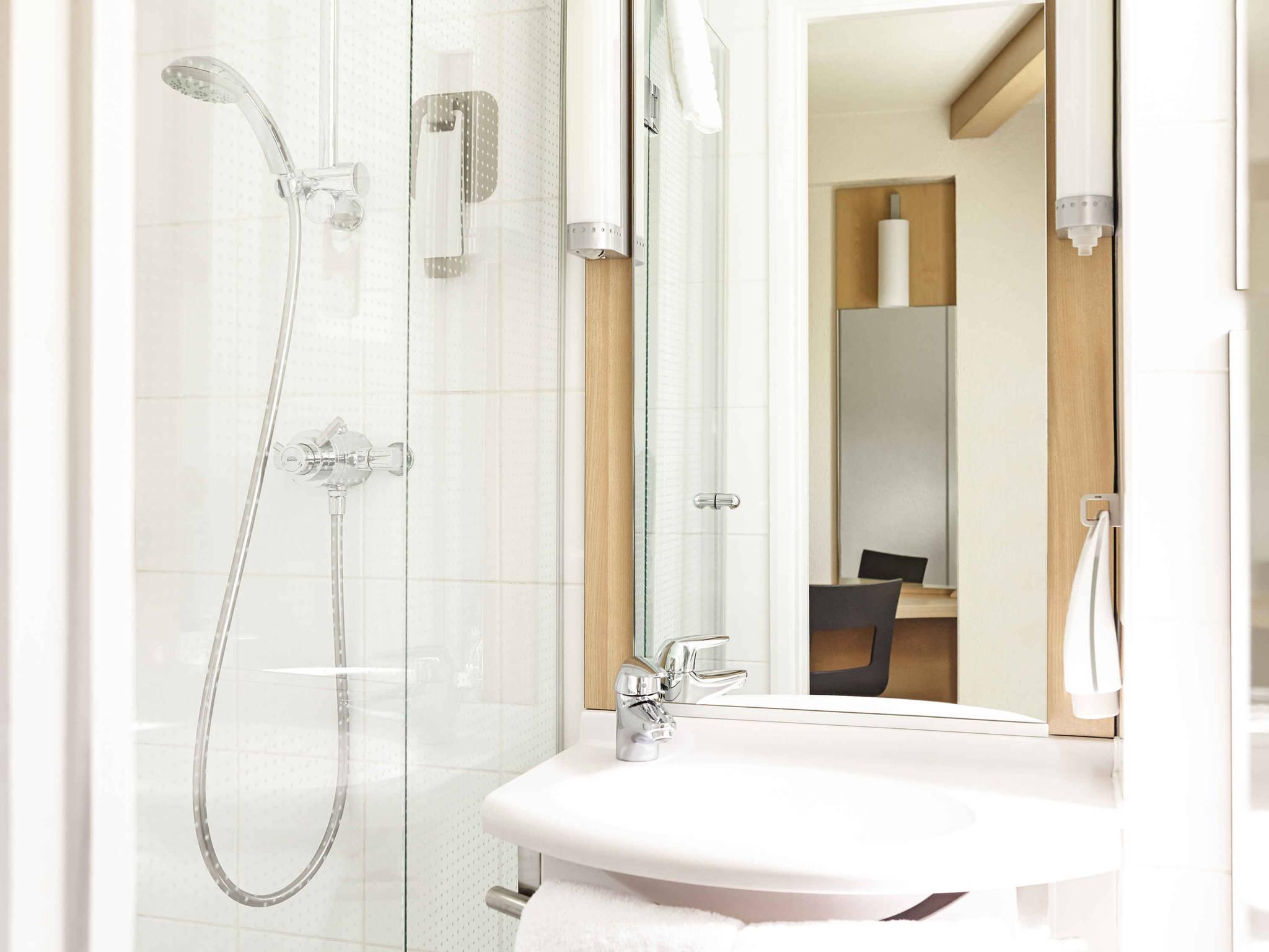 Ibis Leeds Centre | Well Equipped & Modern Hotel in Leeds