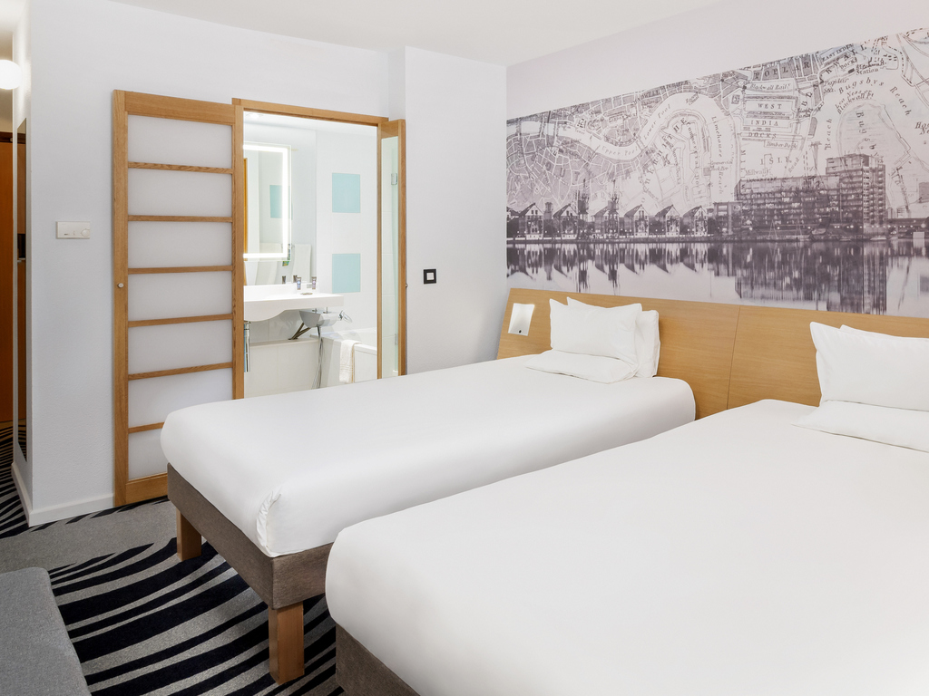 Hotel london novotel london excel for Chambre airport