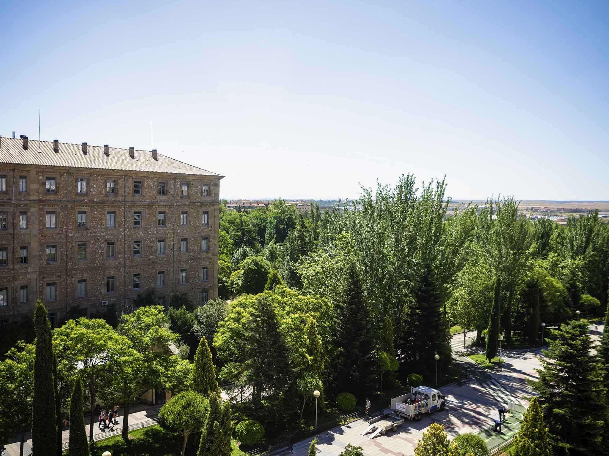 ホテル – イビスサラマンカ