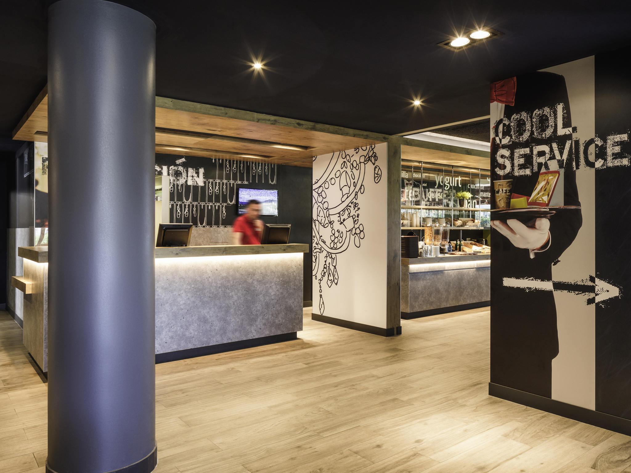 Hotel in MALAGA Book your economic ibis at Malaga Airport