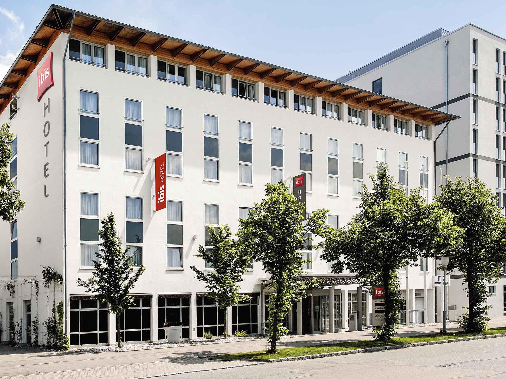 Отель — ibis Мюнхен Гархинг