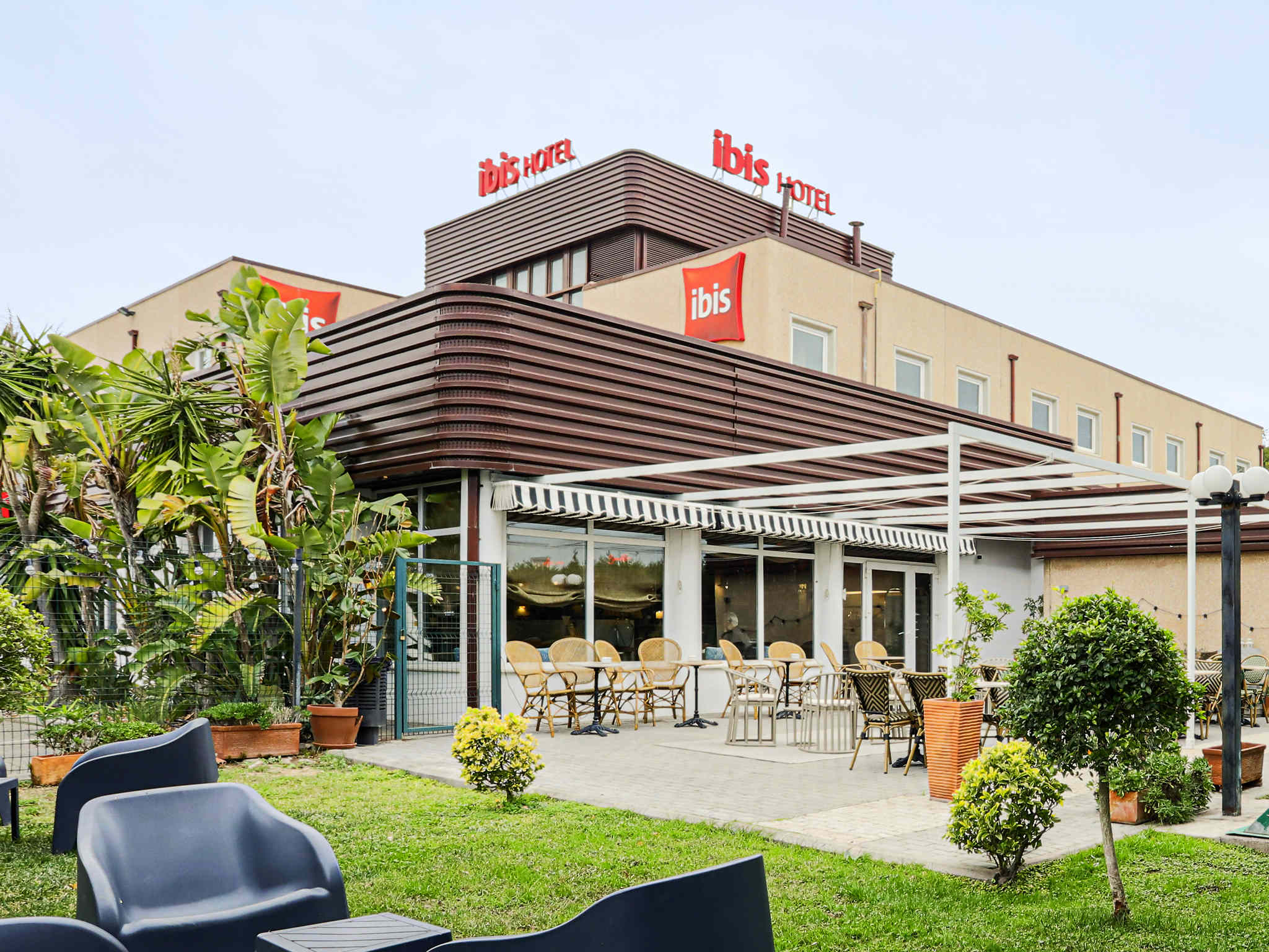 Hotell – ibis Valencia Alfafar
