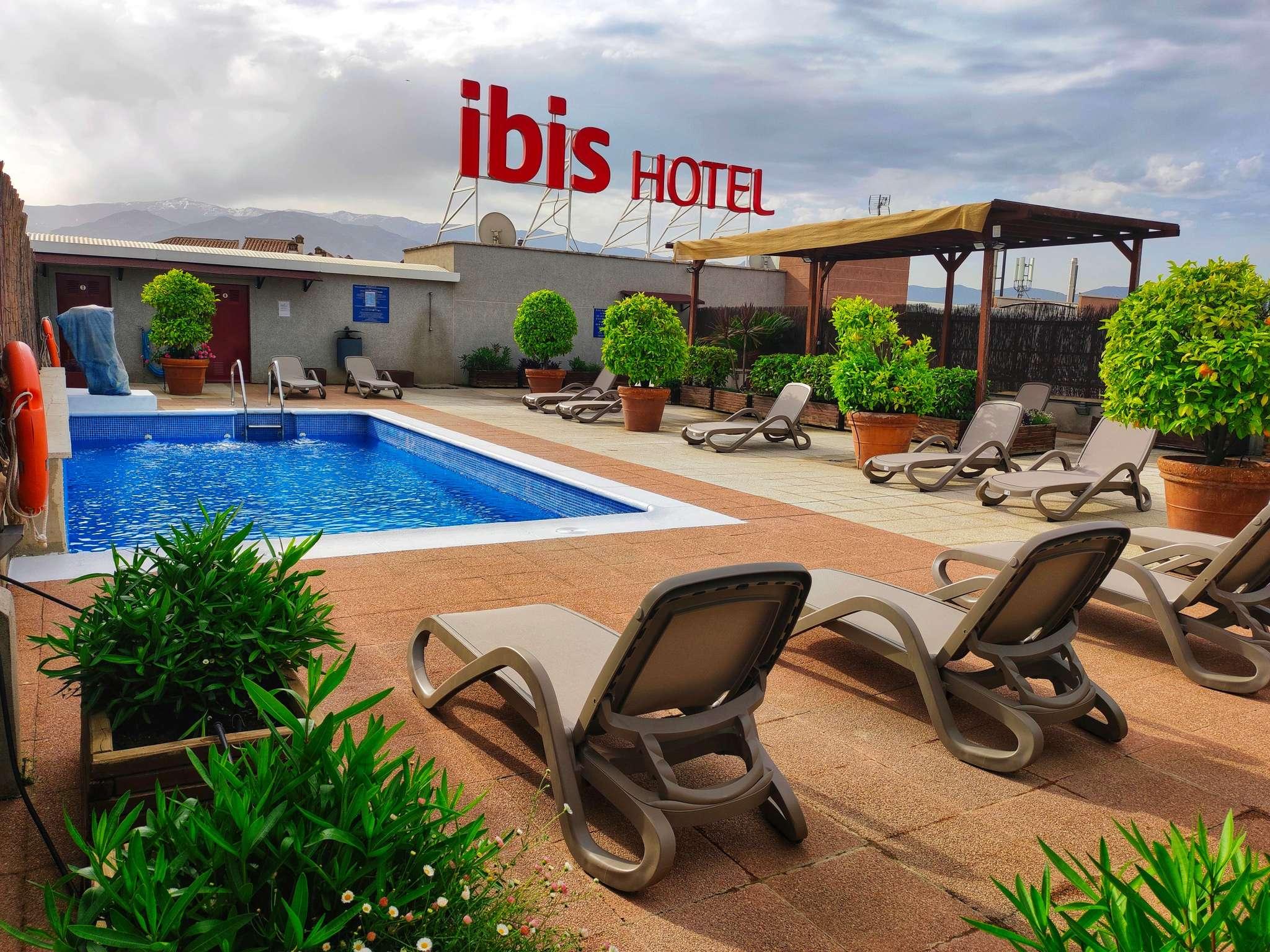 Отель — ibis Granada