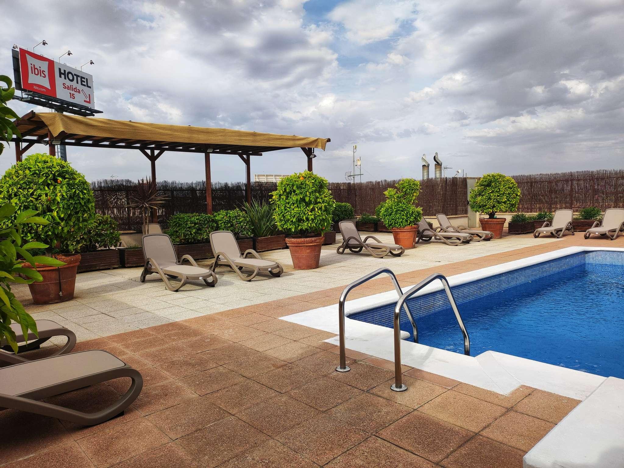 Hotel in GRANADA Book your economic ibis hotel in Granada