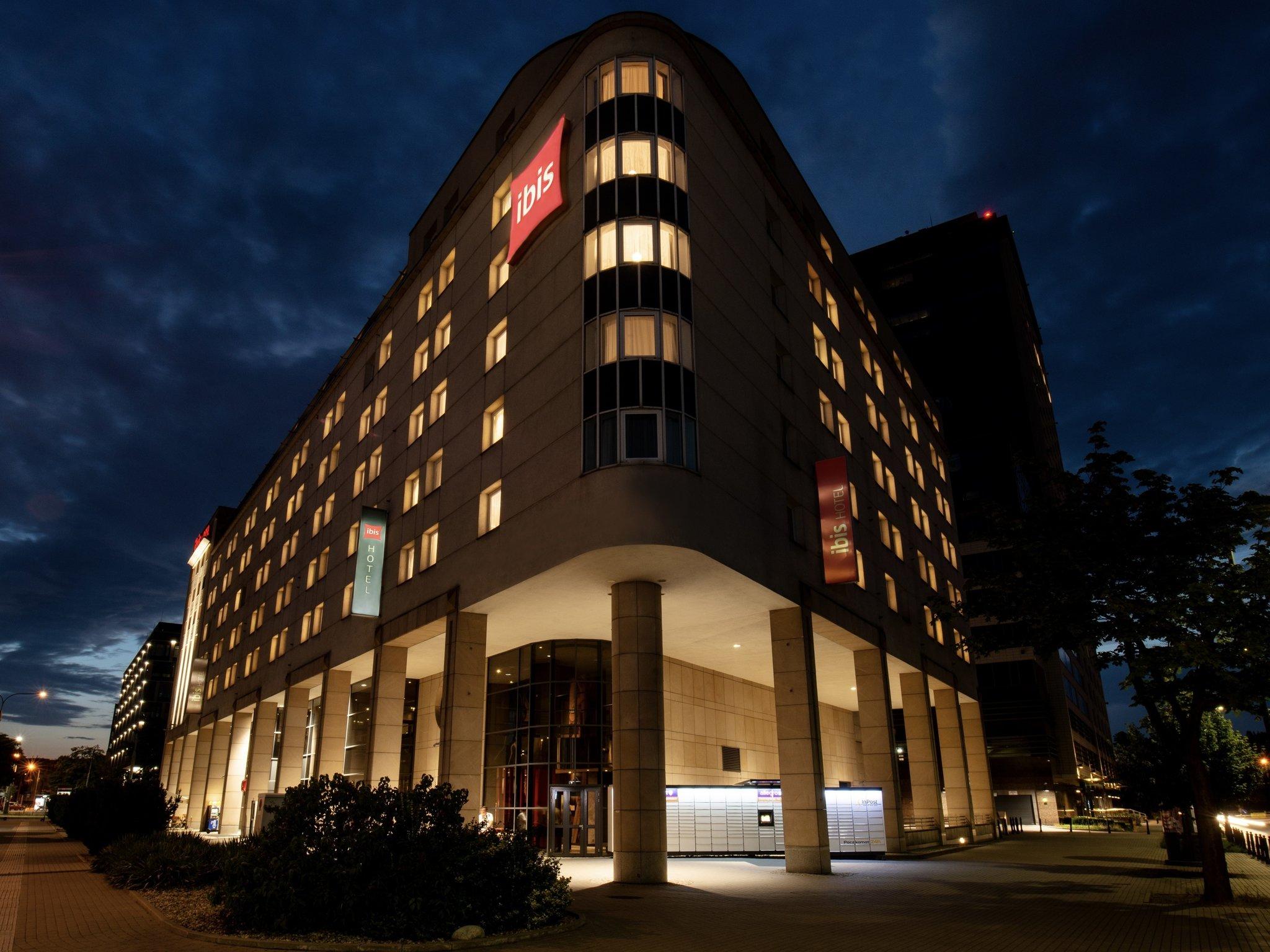 酒店 – 宜必思华沙老城酒店