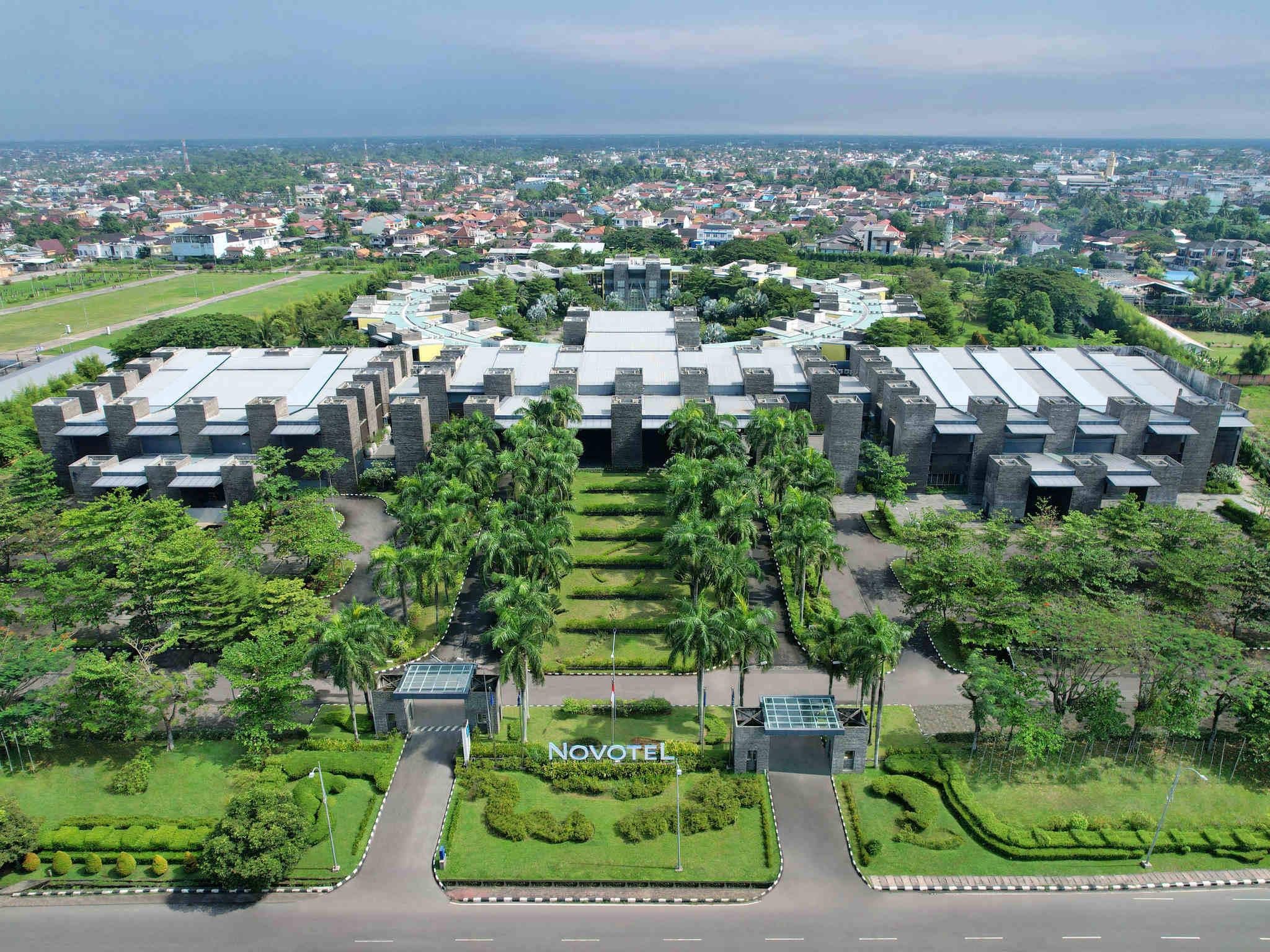 酒店 – 巨港诺富特酒店及公寓