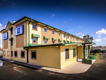 利物浦(Casula)一级方程式汽车旅馆