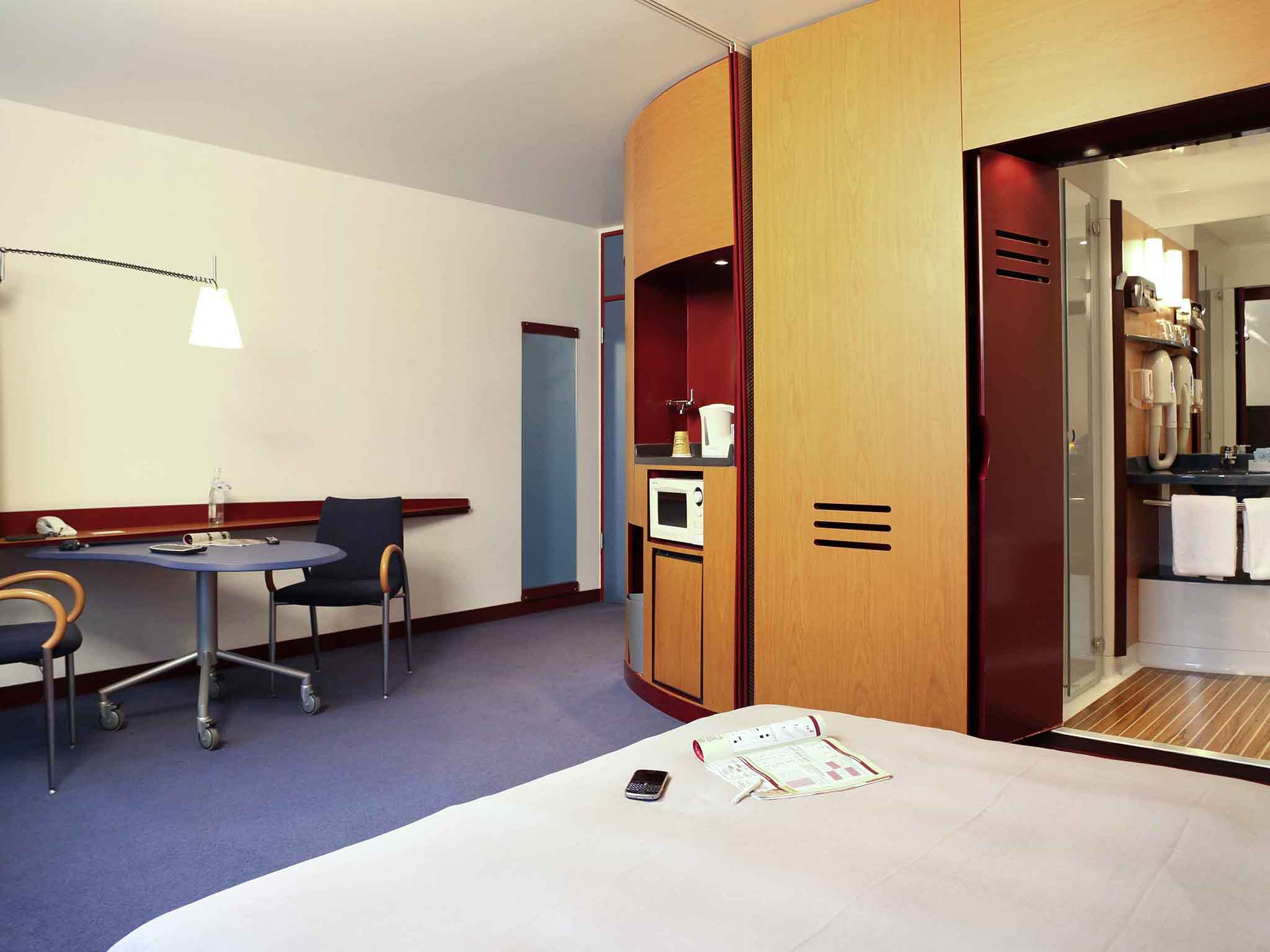 Hotel Novotel Suites Hamburg City. Book now! Free Massages