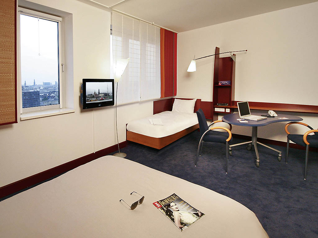 Hotel hamburg novotel suites hamburg city for Suite hotel hamburg