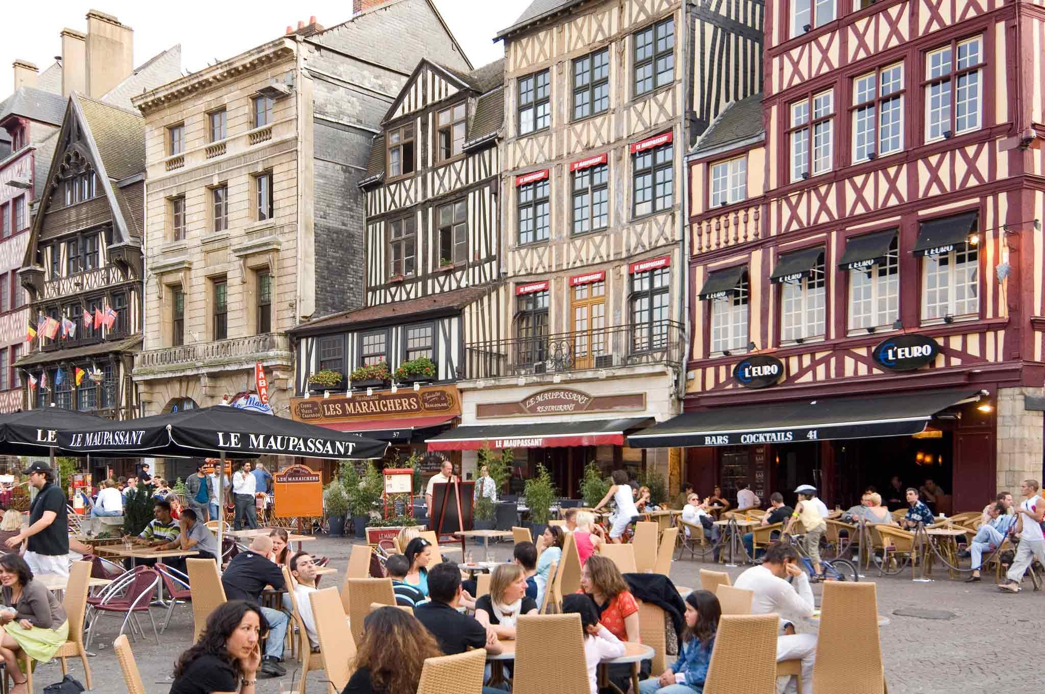 Elegant ... Services   Ibis Budget Rouen Centre Rive Gauche