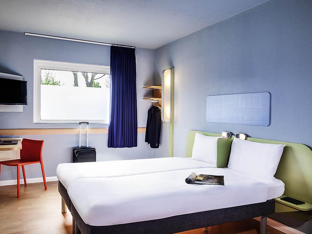 Hotel Pas Cher Cergy