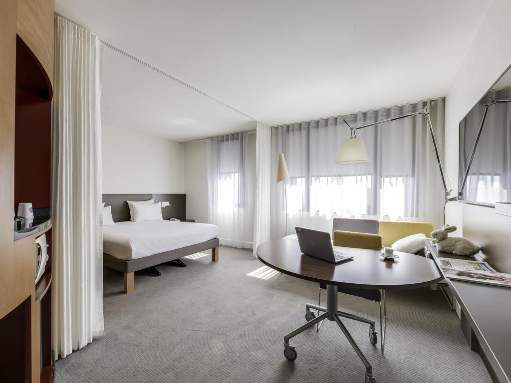 hotel paris novotel suites paris nord 18 me. Black Bedroom Furniture Sets. Home Design Ideas