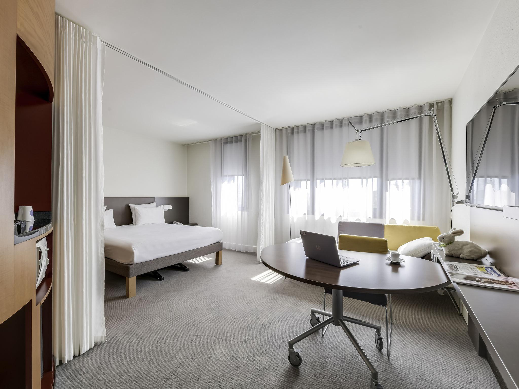 Hôtel   Novotel Suites Paris Nord 18ème