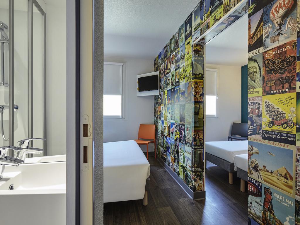 Hotel A Paris Hotelf1 Paris Porte De Chatillon Renove