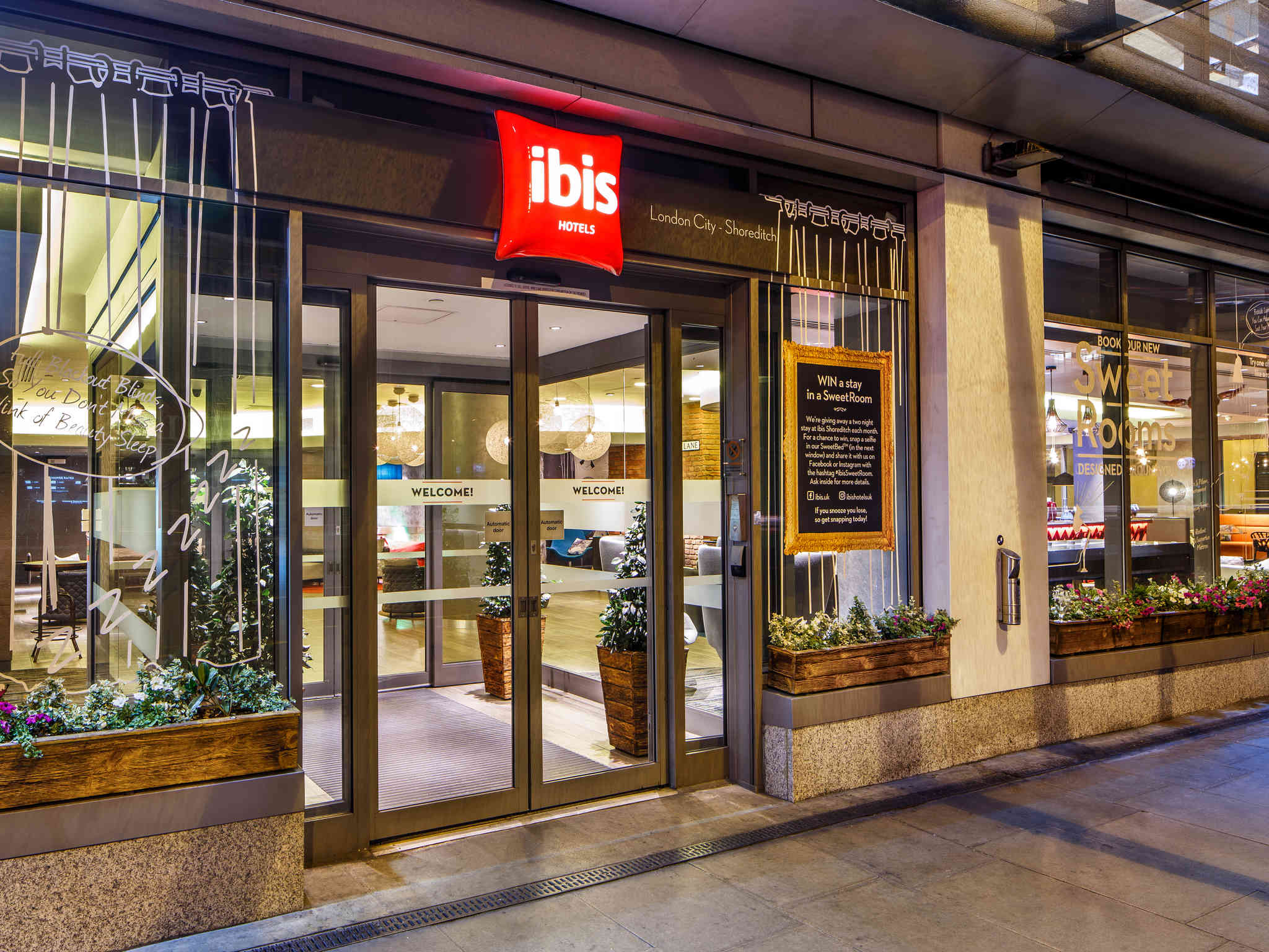 Ibis shoreditch cheap london city hotel