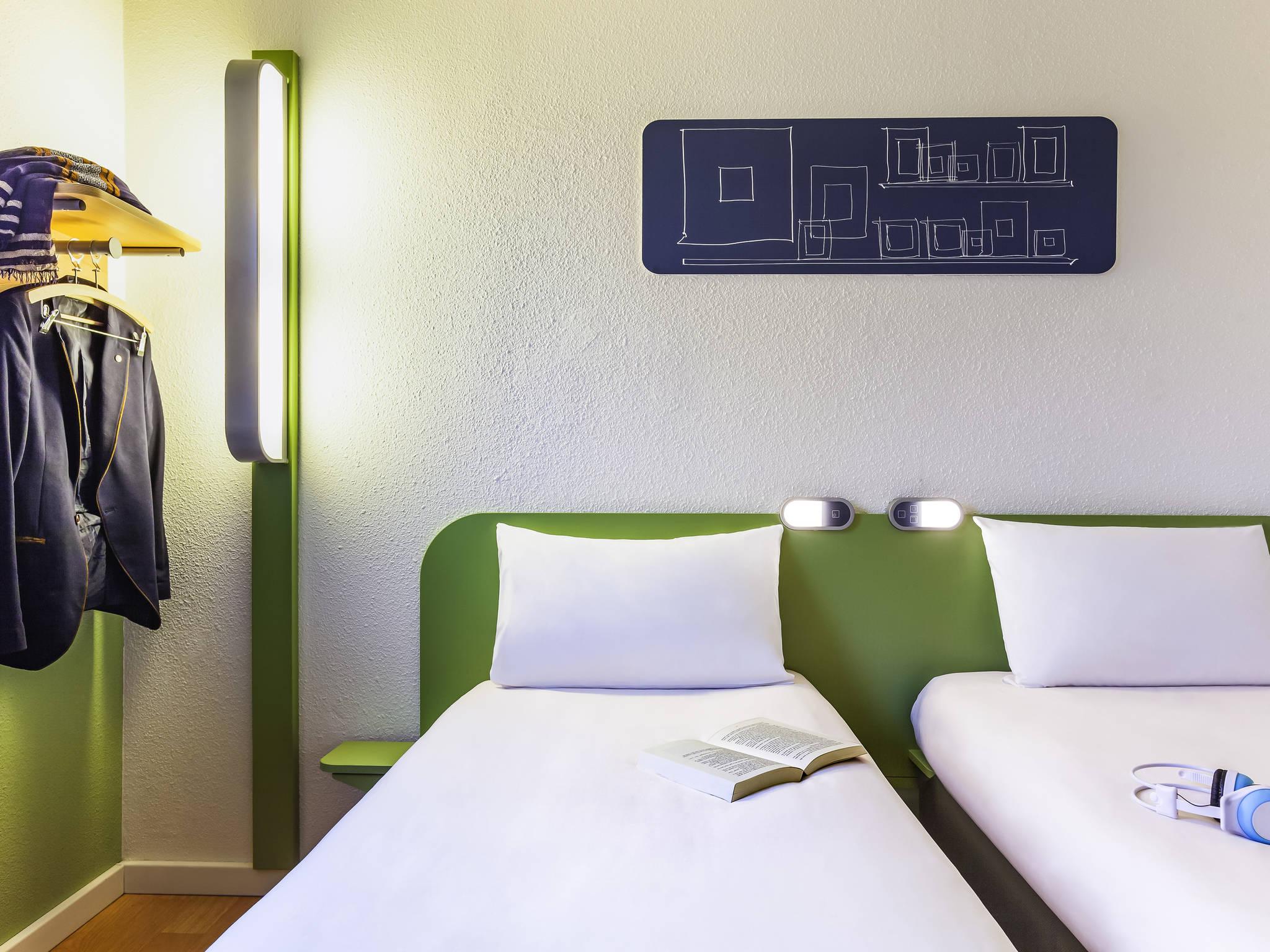 Hotel In Pontault Combault Ibis Budget Marne La Vallee Pontault