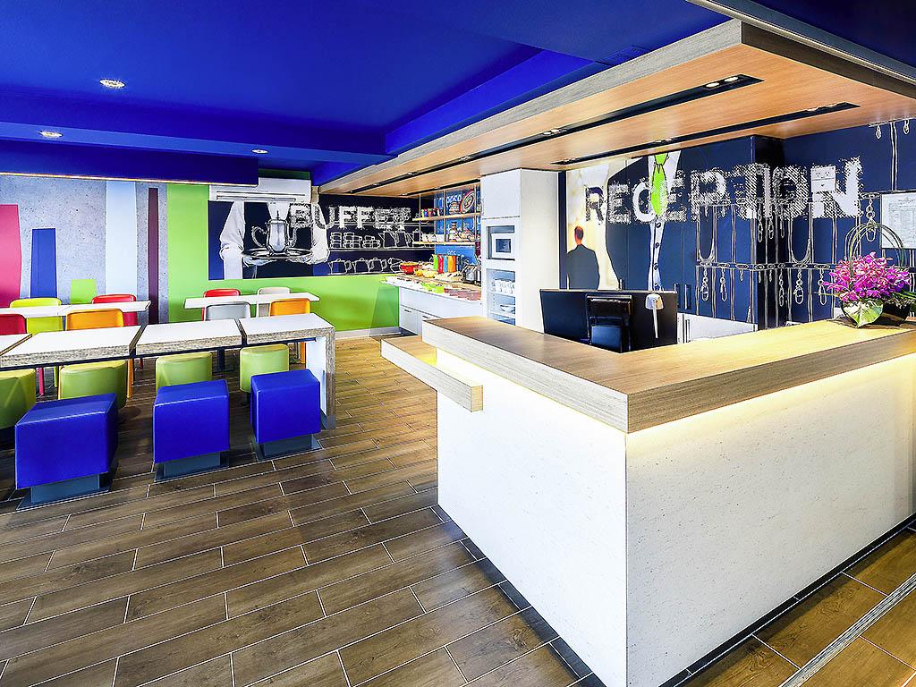 hotels in sunbury viamichelin hotels reserveren in sunbury. Black Bedroom Furniture Sets. Home Design Ideas