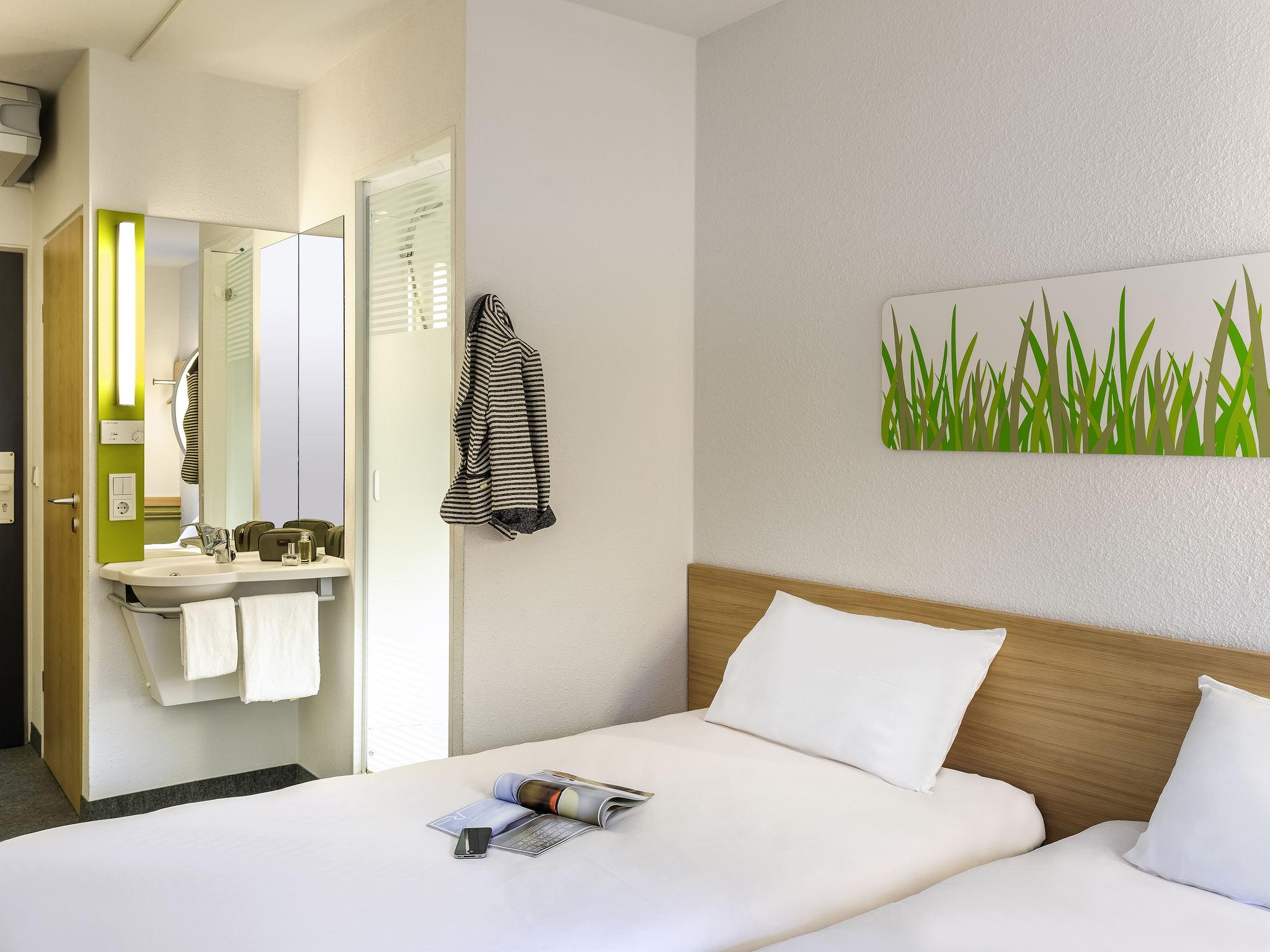 Cheap Hotel Brugge Centrum - ibis budget- Near Station