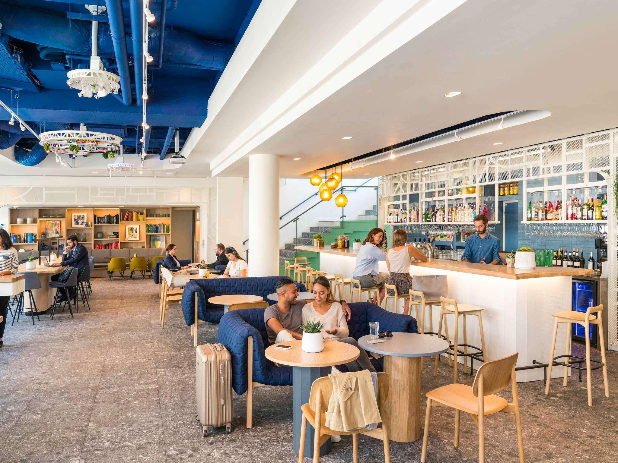 Hotel – Novotel París Estación de Montparnasse