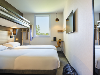 Hotel in paris ibis budget paris porte de la chapelle for Porte de la chapelle