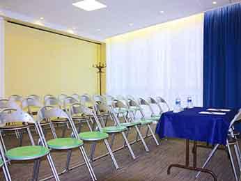 hotel pas cher toulon ibis budget toulon centre. Black Bedroom Furniture Sets. Home Design Ideas
