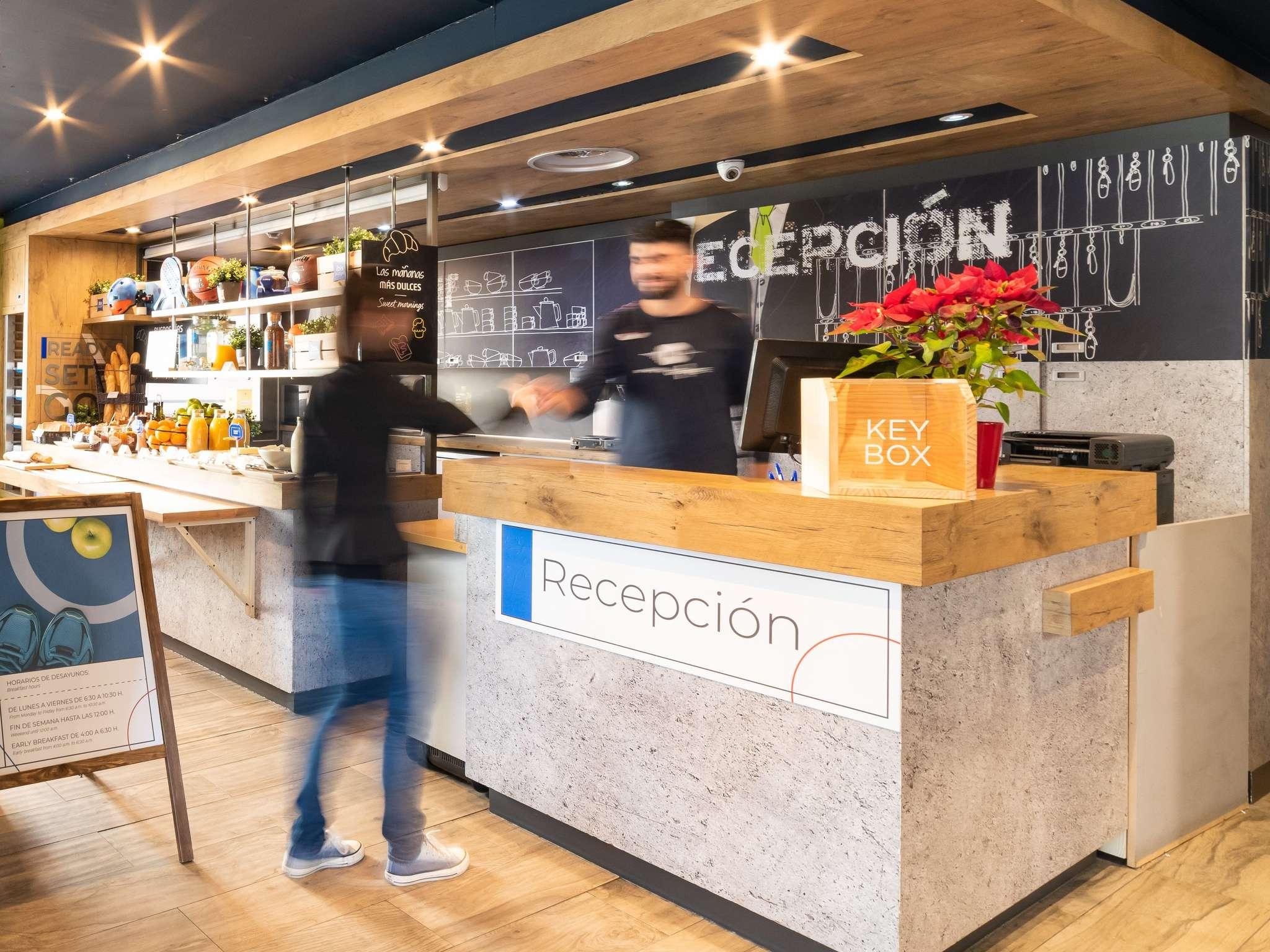 Отель — ibis budget Мадрид Кайе Алькала