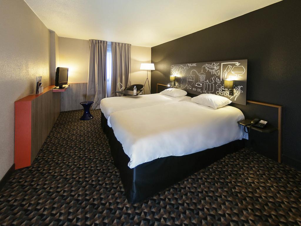 Hotel pas cher chateaubernard ibis styles cognac for Hotel cognac