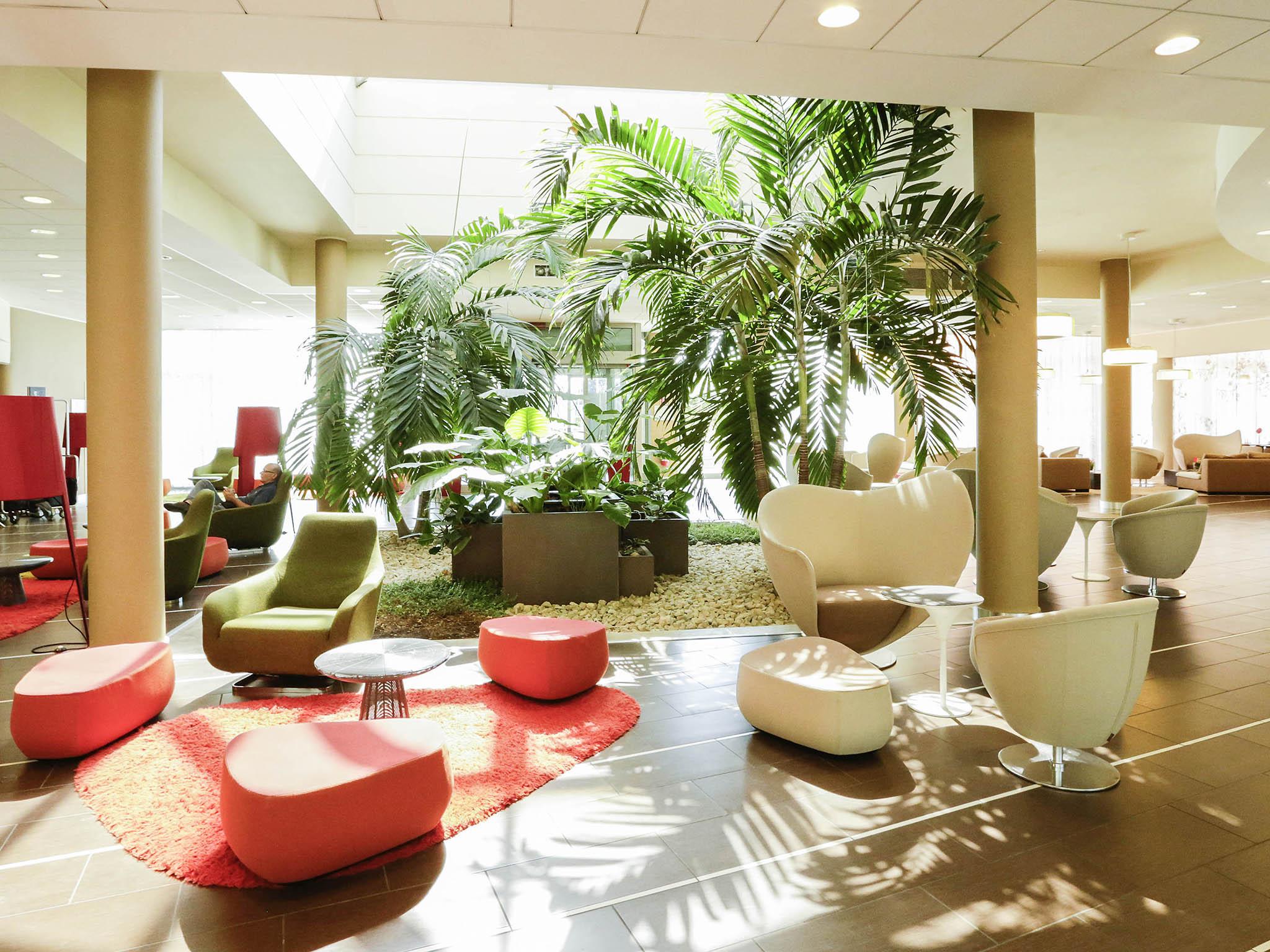 Отель — Novotel Болонья Фиера