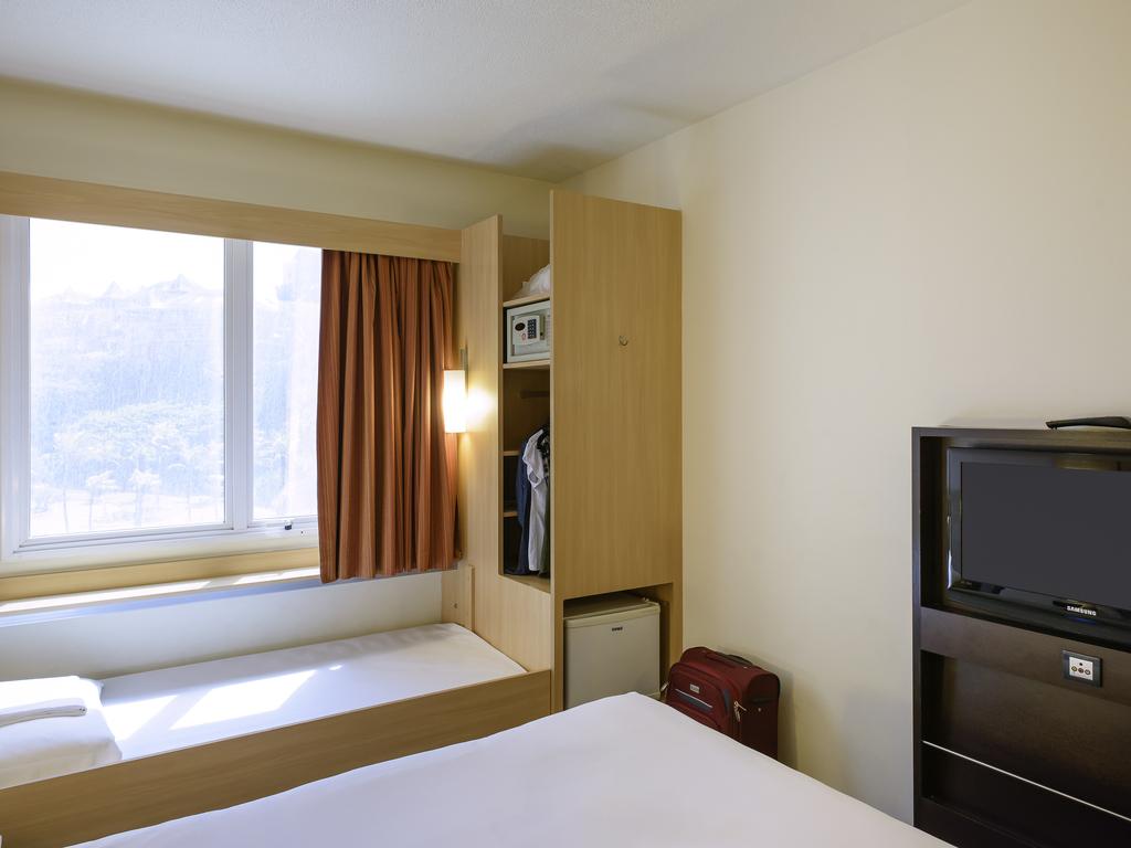 lit d 39 appoint hotel definition. Black Bedroom Furniture Sets. Home Design Ideas