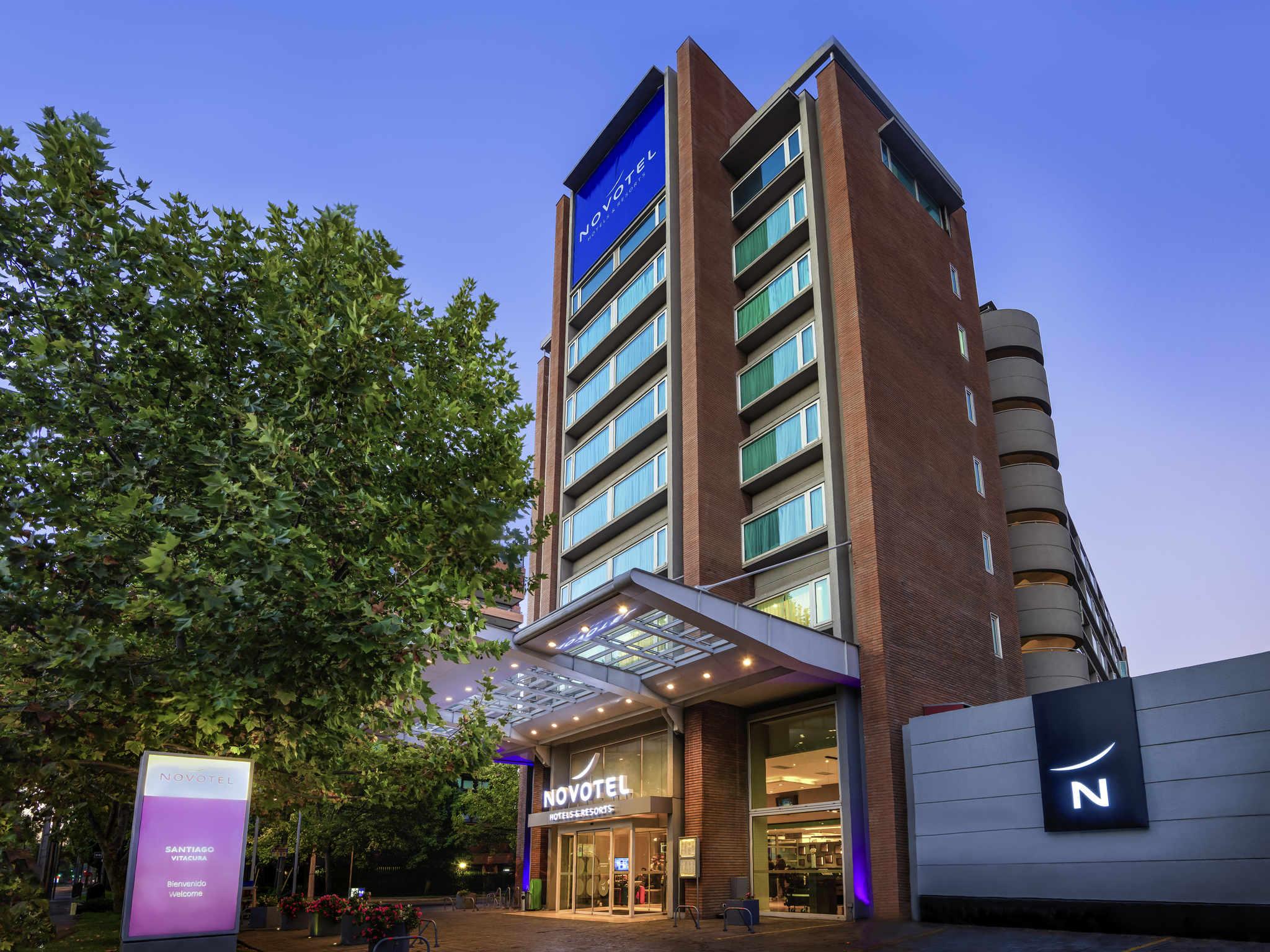 Отель — Novotel Сантьяго Витакура