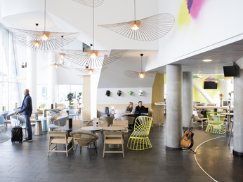 Novotel suites gare lille europe a Lille