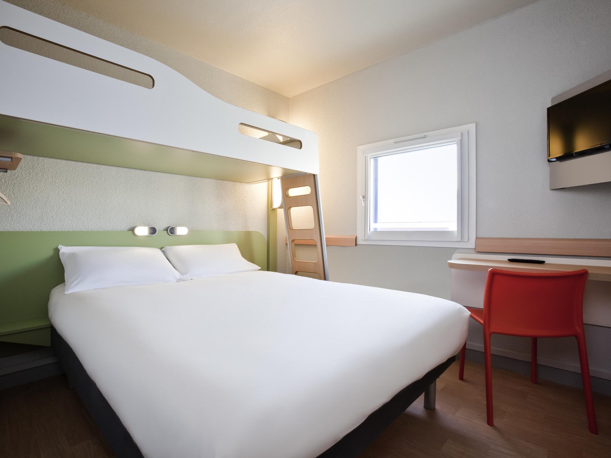 فندق - ibis budget Pontault-Combault RN4 Marne-la-Vallée