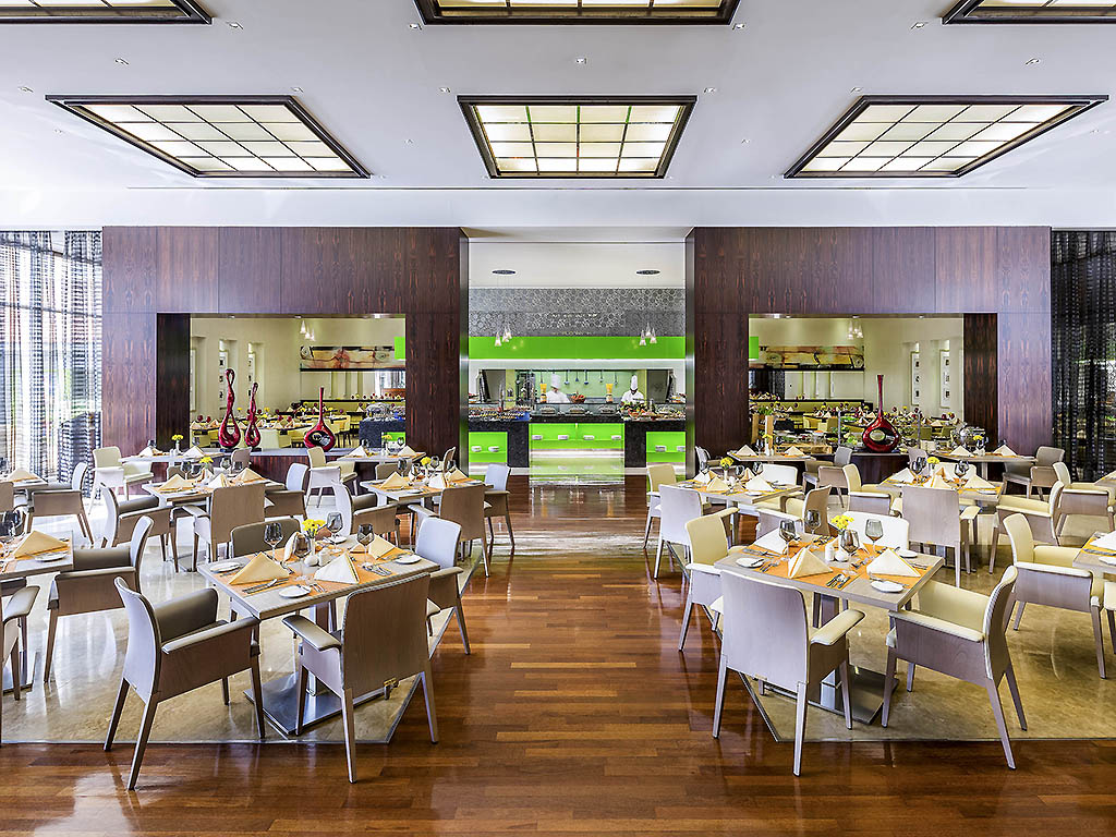 Options restaurant trade center dubai
