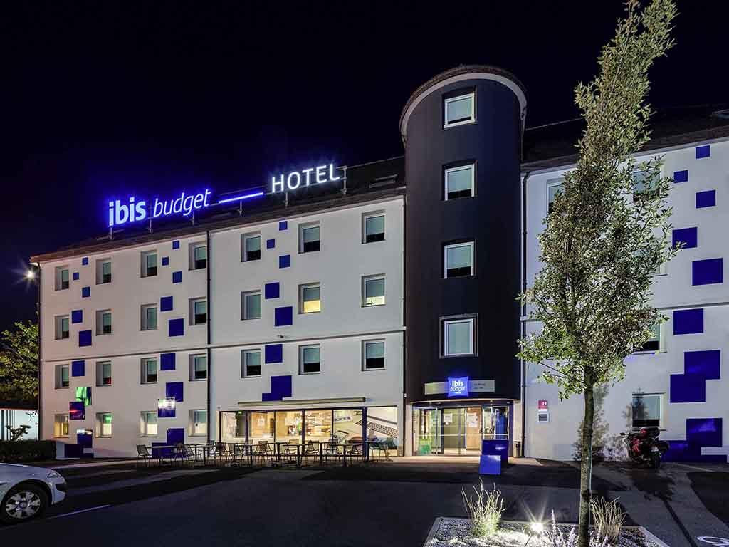 Hotel pas cher mouilleron le captif ibis budget la roche for Hotel le moins cher