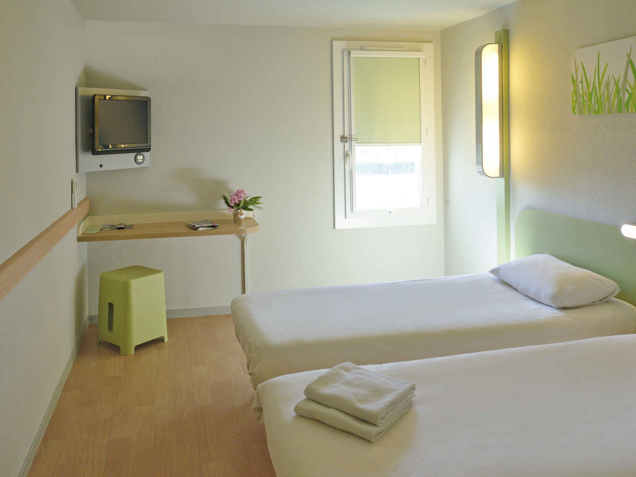 Hotel in LE PONTET ibis bud Avignon Nord Le Pontet