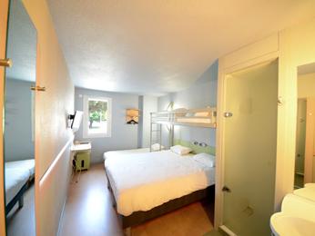 hotel pas cher brive ibis budget brive la gaillarde. Black Bedroom Furniture Sets. Home Design Ideas