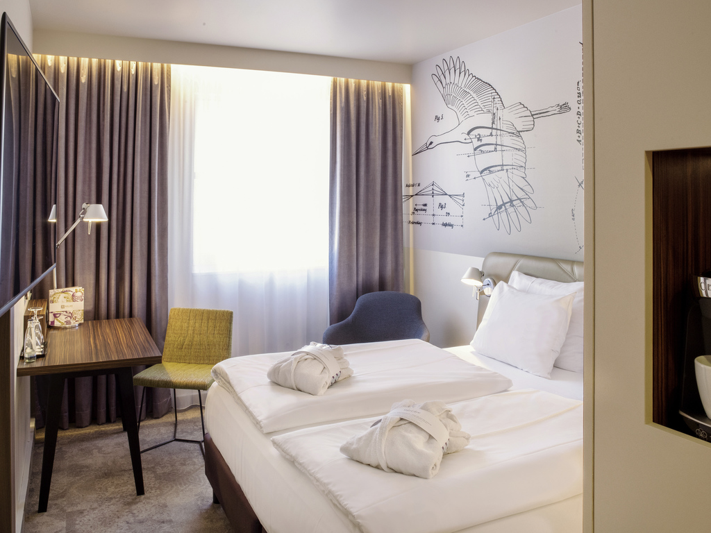 H tel berlin mercure hotel berlin city for Chambre avec lit king size
