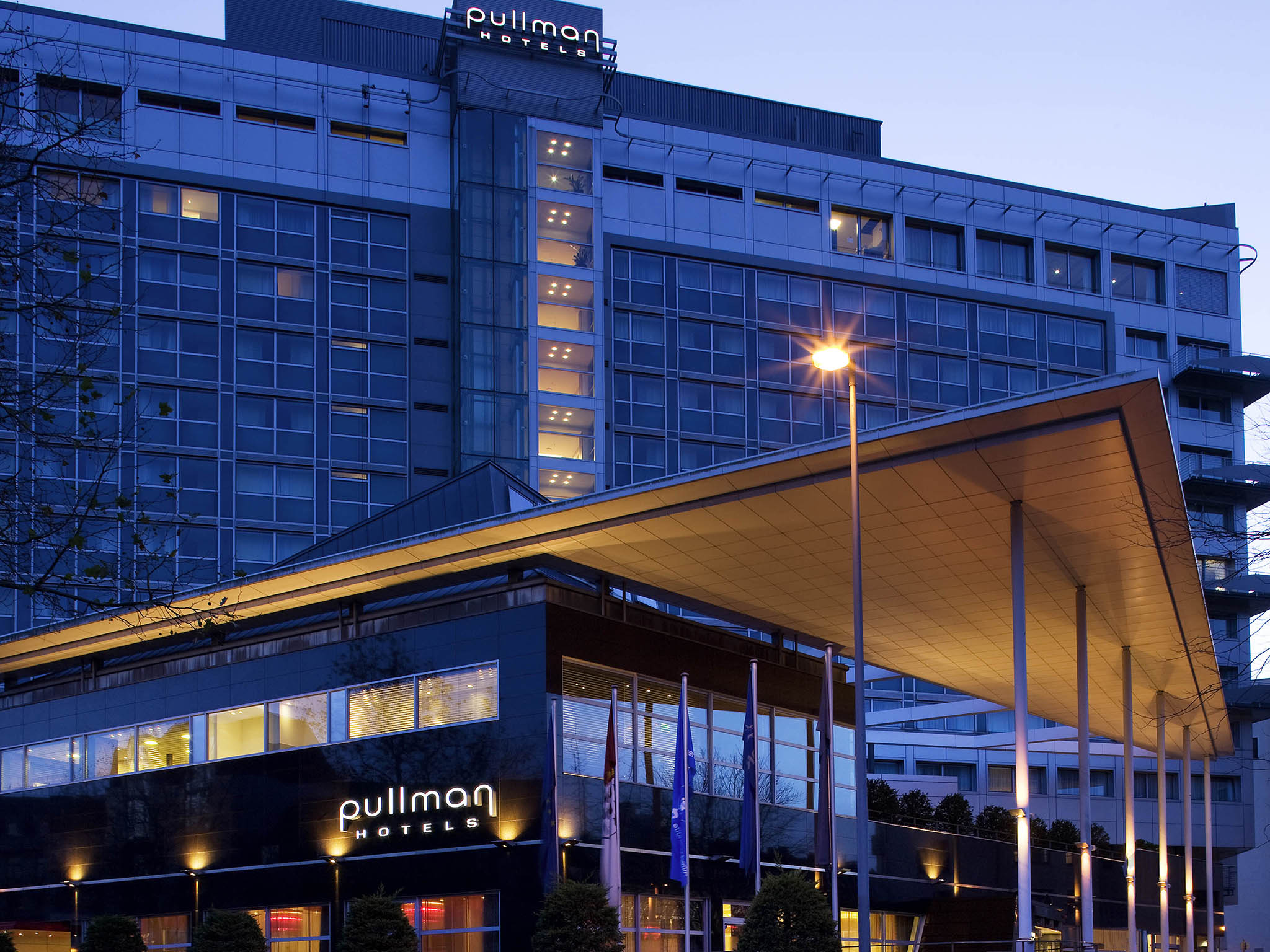 Adagio Koln City Aparthotel Hotel Pullman Cologne Book Your Hotel In Cologne Now