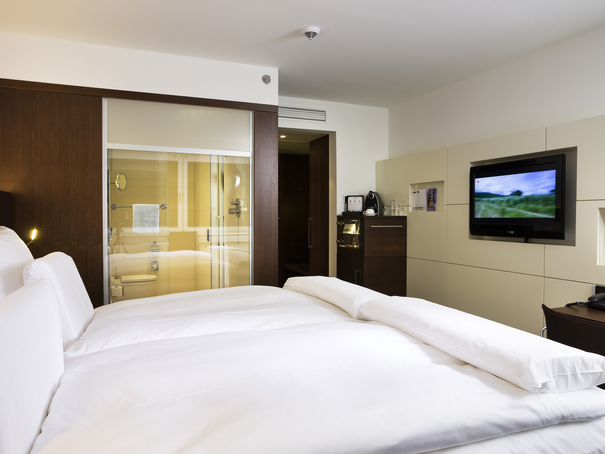Hotel pullman cologne book your hotel in cologne now for Koln zimmer