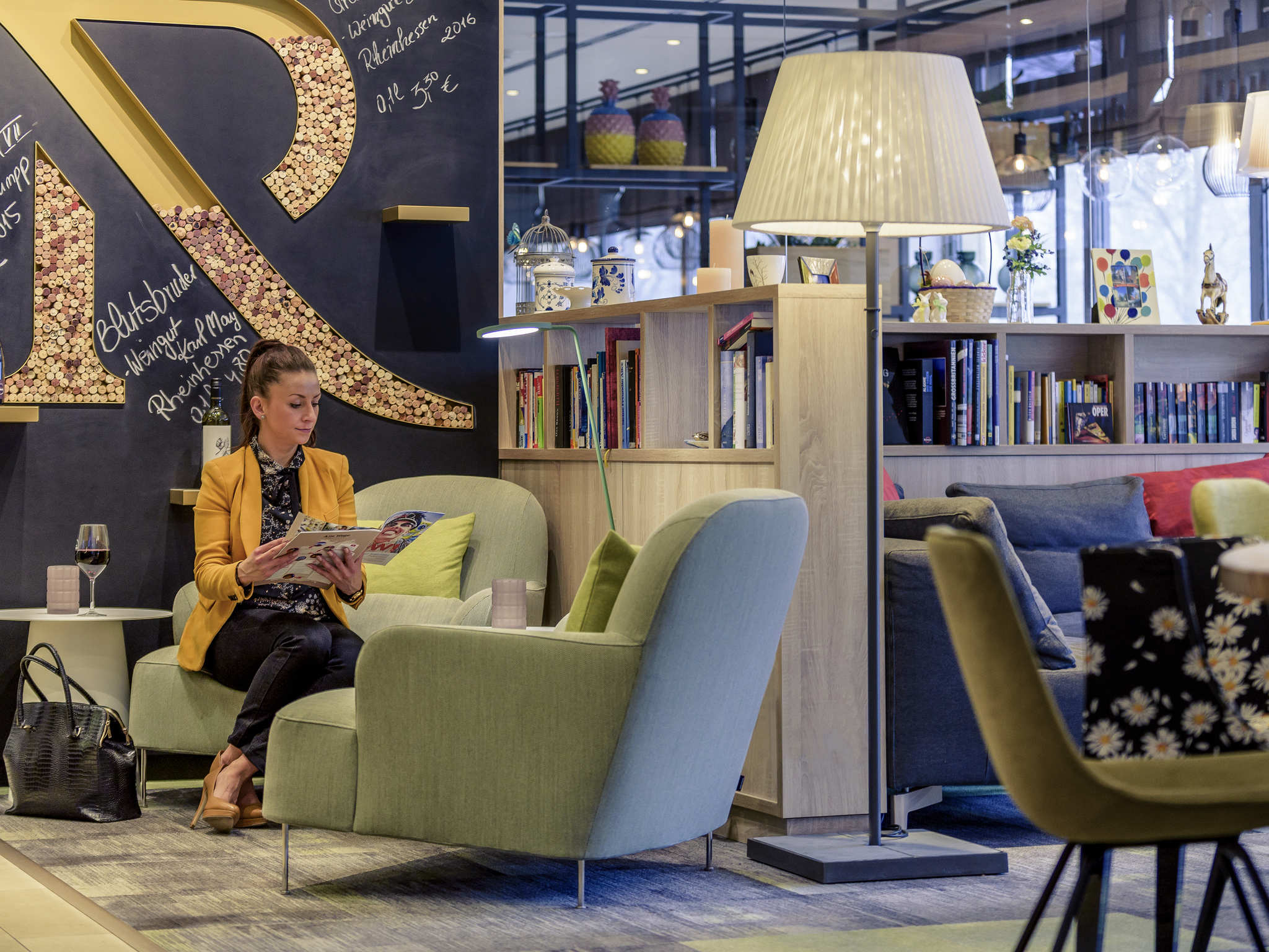 Mercure Hotel Hannover Mitt.Book now! Free Wifi! Sky TV!