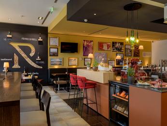 restaurant caf bar im hotel mercure hotel hamburg mitte in hamburg. Black Bedroom Furniture Sets. Home Design Ideas