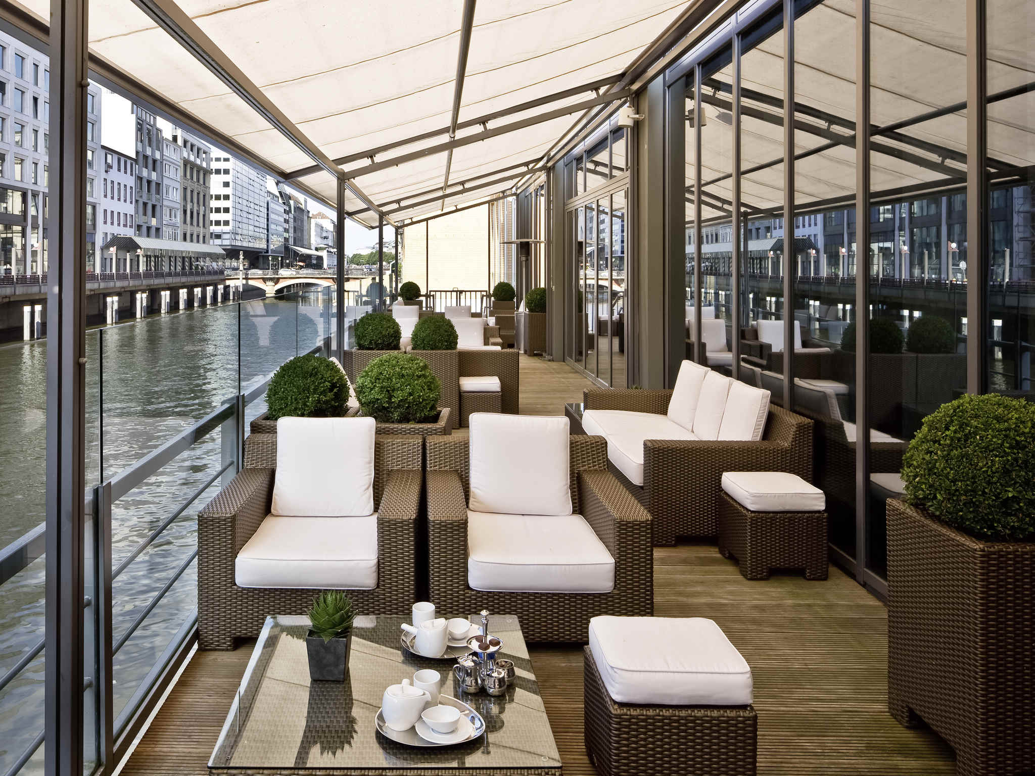 Hotel Sofitel Hamburg Alter Wal.Book your hotel now! Wifi!