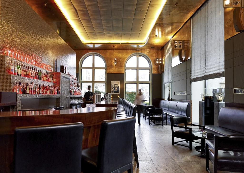hotel with lounge bars in munich sofitel munich bayerpost. Black Bedroom Furniture Sets. Home Design Ideas
