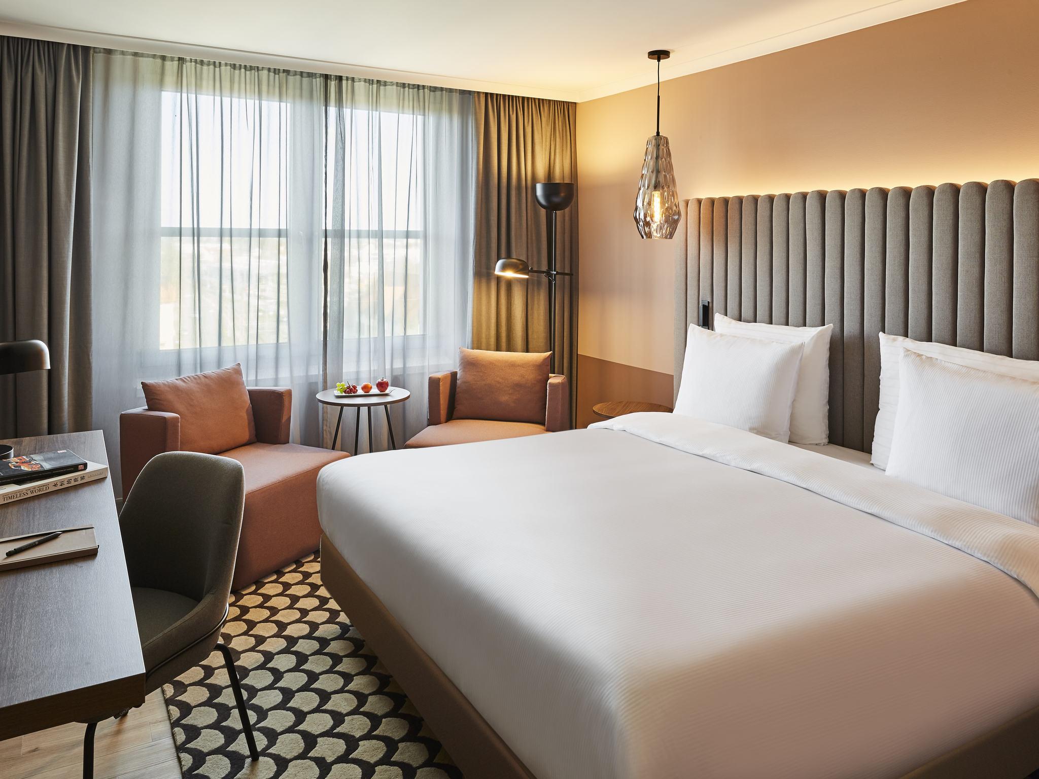 Отель — Pullman Stuttgart Fontana