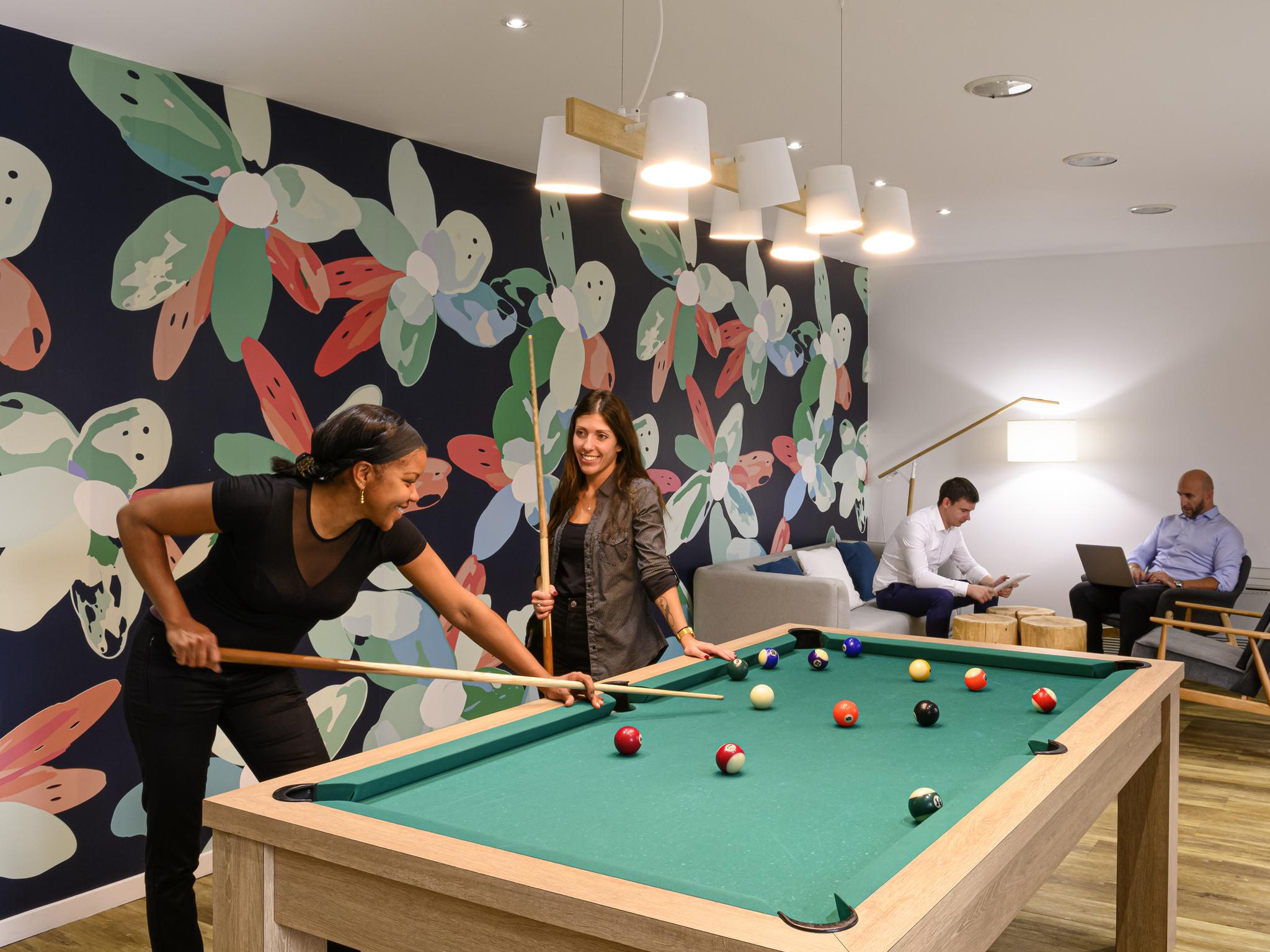 Excellent Hotel A Roissy Charles De Gaulle Ibis Styles Parc Des Largest Home Design Picture Inspirations Pitcheantrous