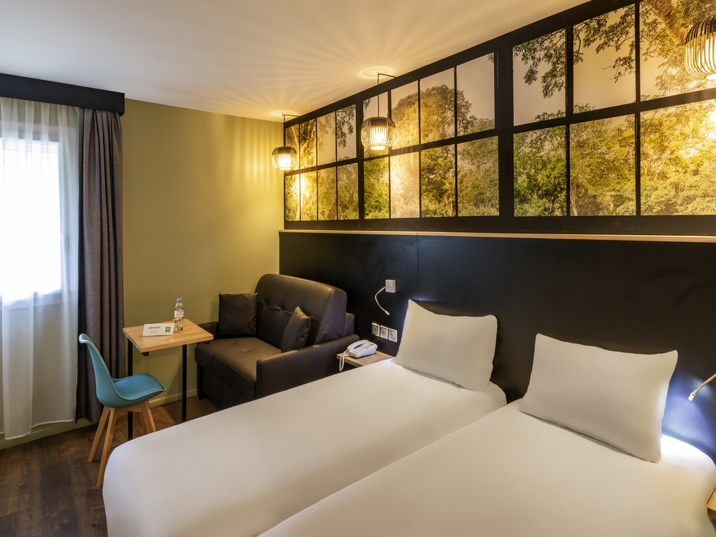 Hotel pas cher roissy charles de gaulle ibis styles parc for Hotel ibis style villepinte