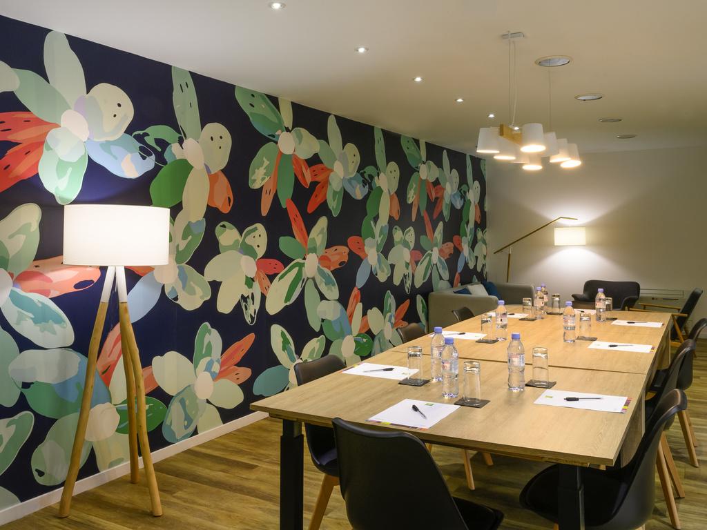 Hotel pas cher roissy charles de gaulle ibis styles parc for Hotels villepinte