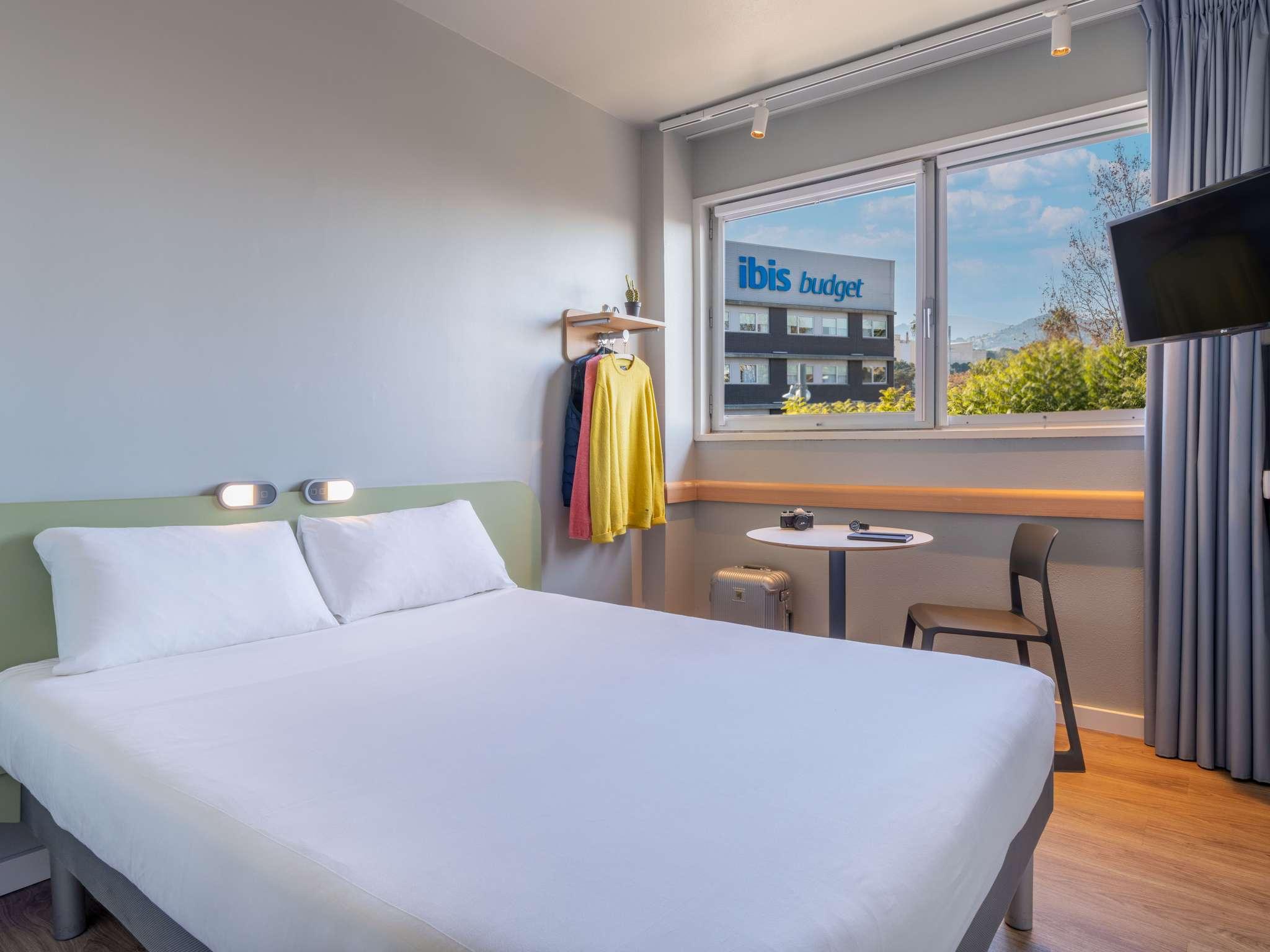 Отель — ibis budget Аэропуэрто Барселона Виладеканс