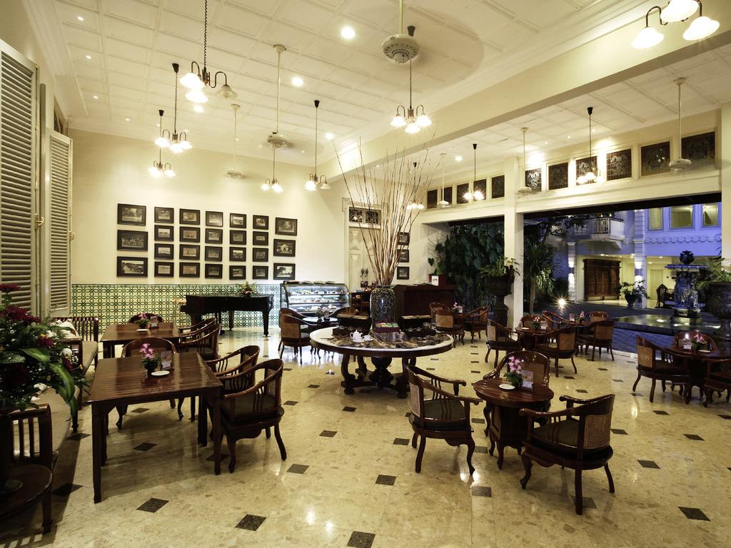 Paprika yogyakarta restaurants by accorhotels for Terrace yogyakarta